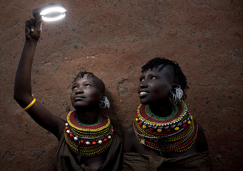 Playing with light with Turkana - Kenya