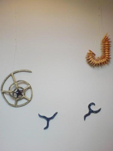 sculpturale installatie waarom de golven