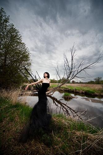 black_fairy_in_swamp